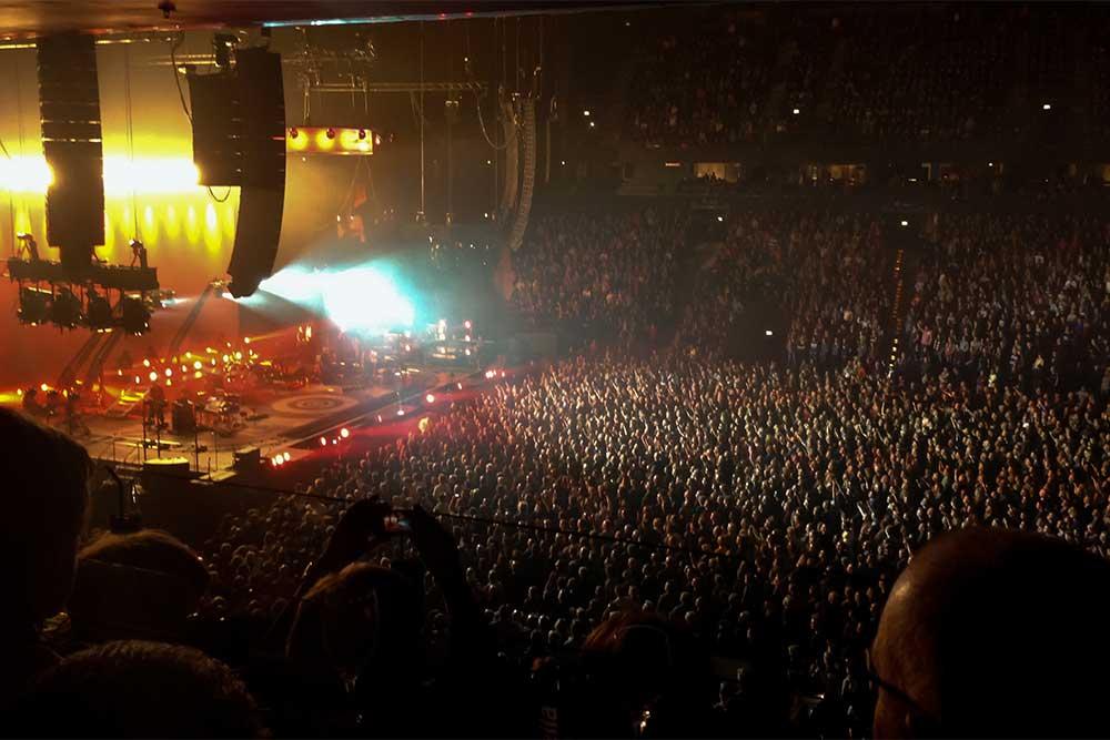 Neben anderen Prestige-Projekten, ist auch die Barclaycard Arena Hamburg, Hamburgs Adresse für Spitzensport und Top-Entertainment, von oneVest mitentwickelt worden.